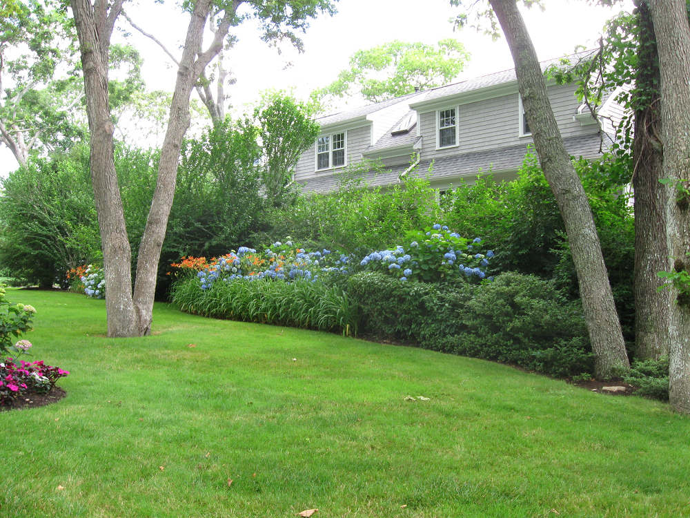 Reliable lawn service for Landscaping services